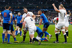 England Flanker Chris Robshaw celebrates with tryscorer Dan Cole  - Mandatory byline: Rogan Thomson/JMP - 19/03/2016 - RUGBY UNION - Stade de France - Paris, France - France v England - RBS 6 Nations 2016.