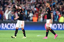 15-09-2015 NED: UEFA CL PSV - Manchester United, Eindhoven<br /> PSV kende een droomstart in de Champions League. De Eindhovenaren waren in eigen huis te sterk voor de miljoenenploeg Manchester United: 2-1 / Juan Mata #8, Marcos Rojo #5