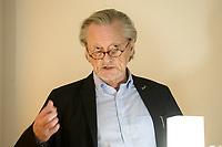 04 FEB 2020, BERLIN/GERMANY:<br /> Prof. Dr. Peter Brandt, Historiker, Europaeischer Abend, Willi-Eichler-Bildungswerk, Galerie Lawrence<br /> IMAGE: 20200204-01-020