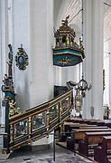 Gdańsk, (woj. pomorskie) 16.08.2014. Kościół Mariacki w Gdański - ambona.