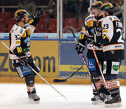 05.12.2010, Eisstadion Liebenau, Graz, AUT, EBEL, Graz 99ers vs Fehervar, im Bild Jean Philippe Paré (32, Moser Medical Graz 99ers), Florian Iberer (23, A, Moser Medical Graz 99ers), Matthias Iberer (15, Moser Medical Graz 99ers), EXPA Pictures © 2010, PhotoCredit: EXPA/ J. Hinterleitner