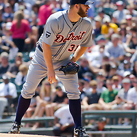 Chicago, IL - June 05, 2011:  Starting pitcher, Brad Penny (31), throws against the home team at U.S. Cellular Field on June 5, 2011 in Chicago, IL.