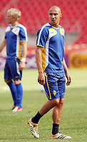 Photo: Chris Ratcliffe.<br />Sweden Training Session. FIFA World Cup 2006. 19/06/2006.<br />Henrik Larsson in training.