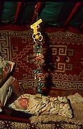 MN331 Life inside the yurt