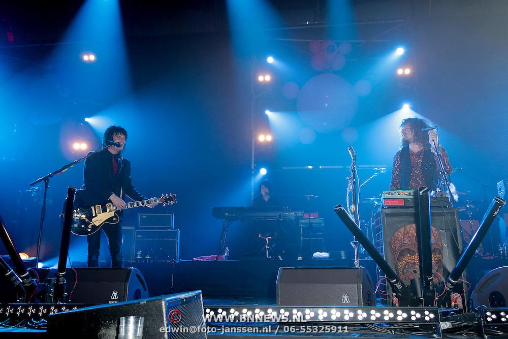 NLD/Amsterdam/20120330 - Emma Raising Fund Night, optreden Direct, Frans van Zoest, Spike en zanger Marcel Veenendaal