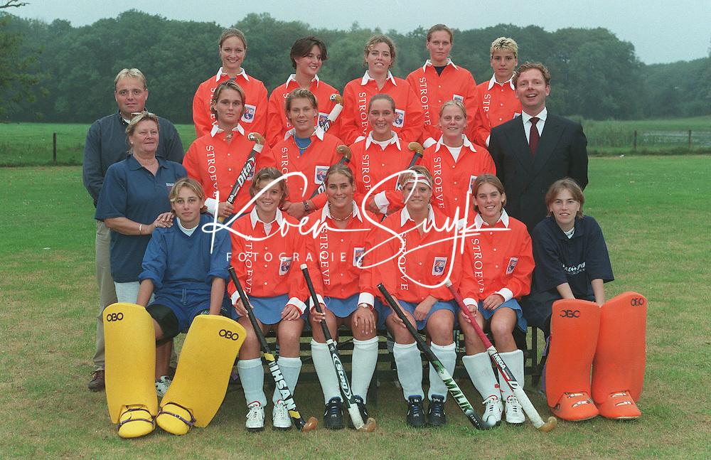 Bloemendaal dames 1 1999-2000. coach Jeroen Visser. rechts Annemarie van Eem. COPYRIGHT KOEN SUYK