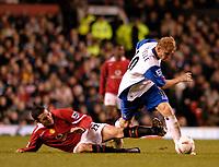 Fotball<br /> Foto: SBI/Digitalsport<br /> NORWAY ONLY<br /> <br /> Manchester United v Crystal Palace<br /> Coca-Cola Cup Fourth Round<br /> 10/11/2004<br /> <br /> Manchester United's John O'Shea (L) slides in to tackle Sandor Torghelle.