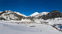 THEMENBILD - Panoramaansicht, Winterlandschaft, Dorferfelder, Talstation der Einseilumlaufbahn Kals I Grossglockner Mauntain Resort, Gradonna Mountain Resort, Grossdorf, Burg, Ködnitz. Kals am Großglockner, Österreich am Mittwoch, 16. Jänner 2019 // Panorama view, winter landscape, Dorferfelder, bottom station of the cable car Kals I Grossglockner Mountain Resort, Gradonna Mountain Resort, Grossdorf, Burg, Ködnitz. Wednesday, January 16, 2019 in Kals am Grossglockner, Austria. EXPA Pictures © 2019, PhotoCredit: EXPA/ Johann Groder
