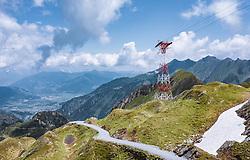 THEMENBILD - eine Seilbahnstütze in der Berglandschaft am Kitzsteinhorn, aufgenommen am 16. Juli 2019 in Kaprun, Österreich // a cable car support in the mountain landscape at the Kitzsteinhorn, Kaprun, Austria on 2019/07/16. EXPA Pictures © 2019, PhotoCredit: EXPA/ JFK