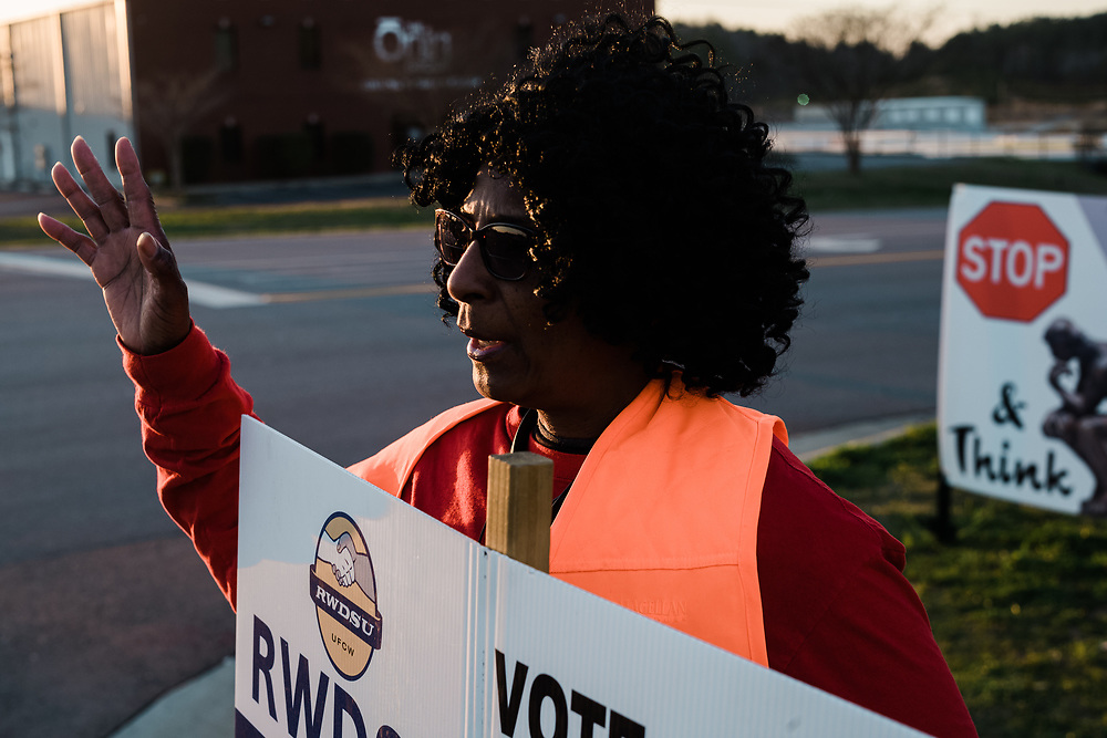 BESSEMER, AL – MARCH 10, 2021: Union member organizer Mona Darby, 63, rallies support for the Retail, Wholesale and Department Store Union as workers change shifts. Darby is President of the Local 451 Union at Wayne Farms LLC, a poultry plant in Athens, Ala. where she has worked 33 years, and travels frequently to Bessemer to support the ongoing Amazon unionization effort. If pro-union organizers are successful, the BHM1 fulfillment center in Bessemer will become the first unionized Amazon warehouse in the country. CREDIT: Bob Miller for HuffPost