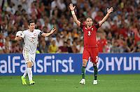 2016.06.30 Marsylia Marseille<br /> Pilka nozna Euro 2016 mecz cwiercfinal <br /> Polska - Portugalia <br /> N/z Robert Lewandowski, Pepe<br /> Foto Lukasz Laskowski / PressFocus<br /> <br /> 2016.06.30 Marsylia Marseille<br /> Football UEFA Euro 2016 quarter finals<br /> Poland and Portugal<br /> Robert Lewandowski, Pepe<br /> Credit: Lukasz Laskowski / PressFocus