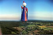 Forbes Ballooning. chateau de Balleroy, Normandy, France. 6/19/99© Copyright Photograph by Dafydd Jones 66 Stockwell Park Rd. London SW9 0DA Tel 020 7733 0108 www.dafjones.com