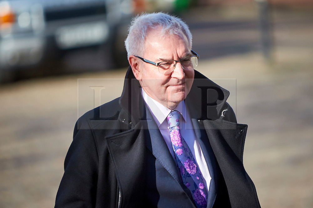 """© Licensed to London News Pictures. 13/02/2017. Aylesbury, UK.  STEVE ROBERTSON, chief executive officer of Thames Water, leaves Aylesbury Crown Court after attending a mitigation hearing. The utility company is due to be sentenced on 24 March after pleading guilty to a range of environmental offences dating back to 2013. In court the judge commented that """"sewage spilled out left, right and centre"""" that had a """"terrible impact on the environment."""" He also warned that the fine will be """"substantial"""" and that """"the company must be punished and not the customers."""" In total nearly half a billion liters of raw or partially treated sewage was discharged into the Thames from five sites in Buckinghamshire and Oxfordshire.  Photo credit: Cliff Hide/LNP"""