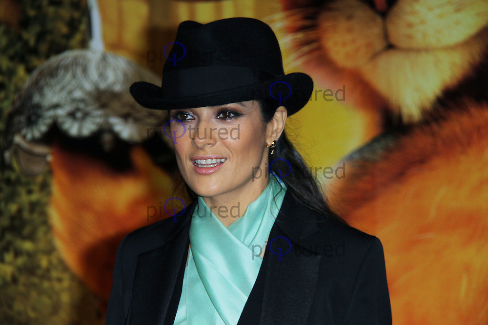 Salma Hayek; Antonio Banderas 'Puss in Boots' UK Premiere, Empire Cinema, Leicester Square, London, UK. 24 November 2011. Contact: Rich@Piqtured.com +44(0)7941 079620 (Picture by Richard Goldschmidt)
