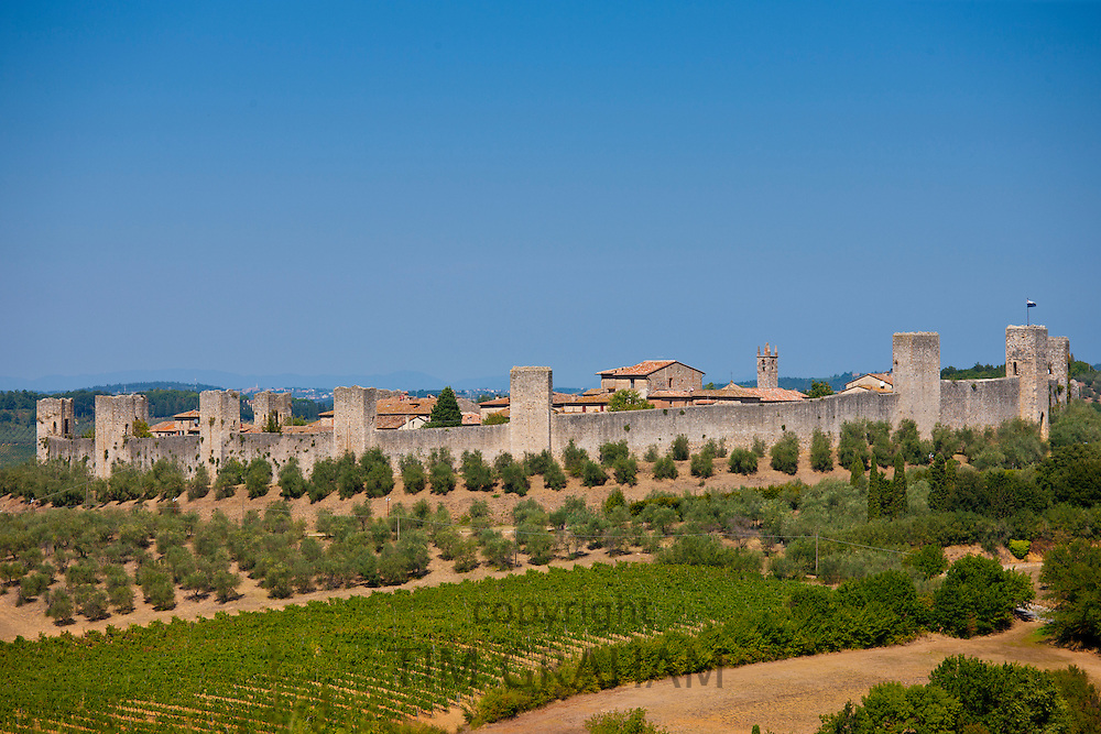 Castello Di Monteriggioni ancient walled hill town in Tuscany, Italy RESERVED USE - NOT FOR DOWNLOAD - FOR USE CONTACT TIM GRAHAM
