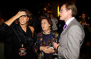 Donna Karan, Suzy Menkes and Hamish Bowles, Donna Karan Party to celebrate 20 Years  as a designer.  Showroom in New Bond St. 21 September 2004. DoSUPPLIED FOR ONE-TIME USE ONLY-DO NOT ARCHIVE. © Copyright Photograph by Dafydd Jones 66 Stockwell Park Rd. London SW9 0DA Tel 020 7733 0108 www.dafjones.com