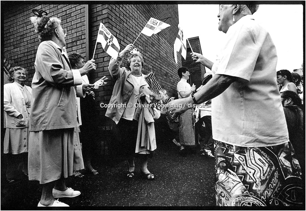 Irlande du Nord. Belfast. Patriotisme durant une parade unionistes.<br /> Northern Ireland. Belfast. Unionist parade.