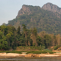 In 2005, the two day journey with the longboat from Houay Xai too Luang Prabang, including an overnight at Pak Beng, was pretty uncomfortable: we had the choice between old unfixed wooden seats or inside the boat, lying, near the bad smelling and very noisy engine.