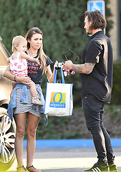 Corey Bohan hands over baby Kira to Audrina Patridge at the police station in Irvine Calif. on Sunday. 24 Sep 2017 Pictured: Corey Bohan hands over baby Kira to Audrina Partridge at the police station in Irvine Calif. on Sunday. Photo credit: GAC/MEGA TheMegaAgency.com +1 888 505 6342