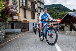 10-09-2017 FRA: BvdGF Tour du Mont Blanc day 1, Beaufort <br /> Vandaag vertrekken we vanuit Papendal in Arnhem naar naar het plaatsje Beaufort (nabij Chamonix) in Frankrijk / Marc