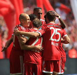 20170520, 1:BL. FC Bayern vs SC Freiburg, Allianz Arena Muenchen, Fussball, Sport, im Bild:..Juebel zum 1:0 Arjen Robben (FCB), Philipp Lahm (FCB), Xabi Alonso (FCB), Jerome Boateng (FCB), Thomas Mueller (FCB) und David Alaba (FCB)..*Copyright by:  Philippe Ruiz..Oberbrunner Strasse 2.81475 MŸnchen, .Tel: 089 745 82 22, .Mobil: 0177 29 39 408..( MAIL:  philippe_ruiz@gmx.de ) ..Homepage: www.sportpressefoto-ruiz.de. (Credit Image: © Philippe Ruiz/Xinhua via ZUMA Wire)