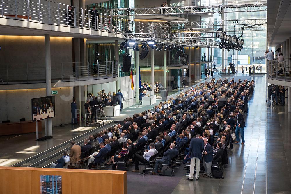 DEU, Deutschland, Germany, Berlin, 24.07.2019: Sondersitzung des Bundestags im Paul-Löbe-Haus anlässlich der Vereidigung der Bundesverteidigungsministerin.