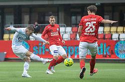 Jeppe Kjær (FC Helsingør) afslutter under kampen i 1. Division mellem Silkeborg IF og FC Helsingør den 21. november 2020 i JYSK Park (Foto: Claus Birch).