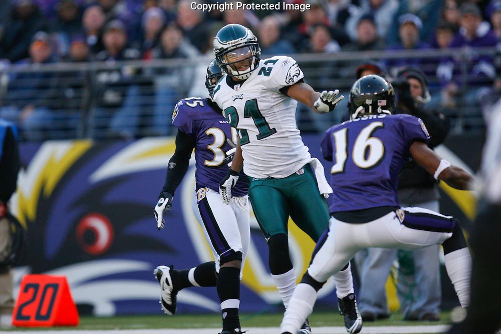 23 Nov 2008: Philadelphia Eagles cornerback Joselio Hanson #21 during the game against the Baltimore Ravens on November 23rd 2008. The Baltimore Ravens won 36 to 7 at M & T Bank Stadium in Baltimore, Maryland.