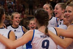 21-02-2015 NED: Sliedrecht Sport - Peelpush, Zwolle<br /> Sliedrecht Sport versloeg Peelpush in de halve finale met 3-1 en staat sinds 2012 weer in de finale / Ester Hullegie #3, Daisy Xhofleer #4
