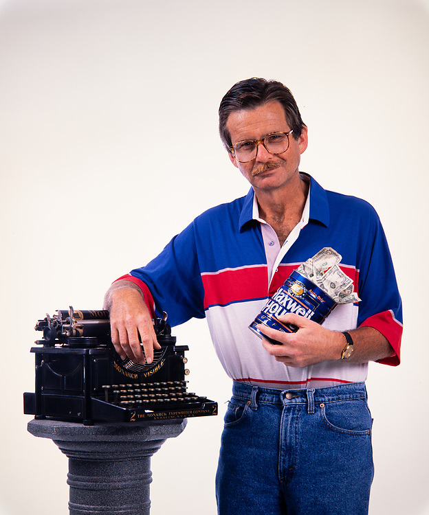Lewis Grizzard with his beloved typewriter and coffee can filled with money that he wrote about in his columns. Grizzard was an American writer and humorist, known for his Southern demeanor and commentary on the American South. Although he spent his early career as a newspaper sports writer and editor, becoming the sports editor of the Atlanta Journal at age 23, he is much better known for his humorous newspaper columns in the Atlanta Journal-Constitution. He was also a popular stand-up comedian and lecturer. Lewis Grizzard with his beloved typewriter and coffee can filled with money that he wrote about in his columns. Grizzard was an American writer and humorist, known for his Southern demeanor and commentary on the American South. Although he spent his early career as a newspaper sports writer and editor, becoming the sports editor of the Atlanta Journal at age 23, he is much better known for his humorous newspaper columns in the Atlanta Journal-Constitution. He was also a popular stand-up comedian and lecturer. Lewis McDonald Grizzard Jr. (October 20, 1946 – March 20, 1994) was an American writer and humorist, known for his Southern demeanor and commentary on the American South. Although he spent his early career as a newspaper sports writer and editor, becoming the sports editor of the Atlanta Journal at age 23, he is much better known for his humorous newspaper columns in the Atlanta Journal-Constitution. He was also a popular stand-up comedian and lecturer.<br /> <br /> Grizzard also published a total of 25 books, including collections of his columns (e.g. Chili Dawgs Always Bark at Night), expanded versions of his stand-up comedy routines (I Haven't Understood Anything Since 1962), and the autobiographical If I Ever Get Back to Georgia, I'm Gonna Nail My Feet to the Ground.