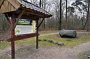 Nederland, Markelo, 17-4-2013De dikke steen, een zwerfkei op de Tichelroute bij Markelo.Foto: Flip Franssen/Hollandse Hoogte