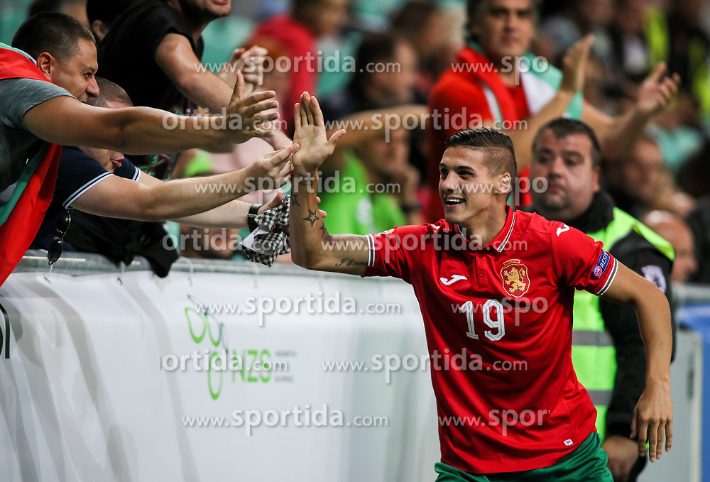 Kiril Despodov of Bulgaria celebrates with fans during football match between National Teams of Slovenia and Bulgaria in Final Tournament of UEFA Nations League 2019, on September 6, 2018 in SRC Stozice, Ljubljana, Slovenia. Photo by Morgan Kristan / Sportida