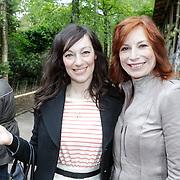 NLD/Amersfoort/20120518 - Persconferentie Jane Goodall, Myrianne van Reeden en Marian Mudder