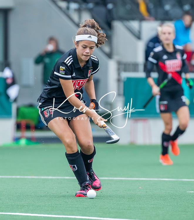 AMSTELVEEN  - Noor de Baat (Adam) tijdens de hoofdklasse competitiewedstrijd hockey dames , Amsterdam-Laren (3-0)  , COPYRIGHT KOEN SUYK