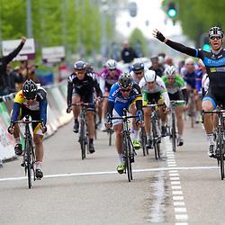 Olympia Tour Noordwijkerhout-Hoofddorp Jeff Vermeulen wint 1e etappe voor Wim Stroetinga en WouterWippert