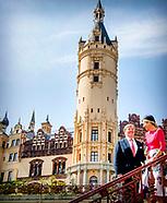 Koningspaar bezoekt Schwerin dag 1