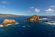 Mokuhooniki Island, Kanaha Rock,Molokai, Hawaii