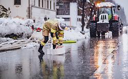 THEMENBILD - Männer der Freiwilligen Feuerwehr kämpfen gegen Hochwasser an am 17. November 2019 in Dölsach. Die extremen Schneefälle der vergangenen Tage sorgen in Teilen Österreichs für massive Gefahren und Behinderungen // Men of the fire brigade fight against floods. The extreme snowfalls of the past few days cause massive dangers and disabilities in parts of Austria, Dölsach on 19/11/17. EXPA Pictures © 2019, PhotoCredit: EXPA/ JFK