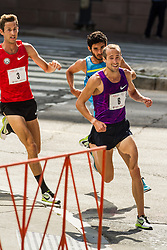 Dan Huling, Dathan Ritzenhein, David Torrence battle for the win with 200m to go