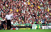 Marton O'Neill (Celtic manager). Celtic 6:2 Rangers, Scottish Premier League, Celtic Park, Glasgow, Scotland, 27/8/2000. Credit Colorsport: Stuart MacFarlane.