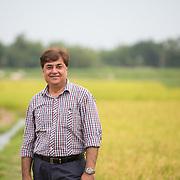CAPTION: Rockefeller Foundation consultant Sanjay Khazanchi on a field trip in Araria, Bihar. LOCATION: Beherbari, Araria District, Bihar, India. INDIVIDUAL(S) PHOTOGRAPHED: .