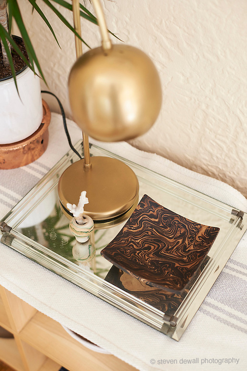 Lamp and tray
