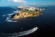 PUERTO RICO, SAN JUAN El Morro fortress and skyline