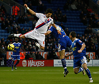 Photo: Steve Bond/Richard Lane Photography. Leicester City v Crystal Palace. E.ON FA Cup Third Round. 03/01/2009. Steve Howard (R) and Jose Fonte (L) clash in the air