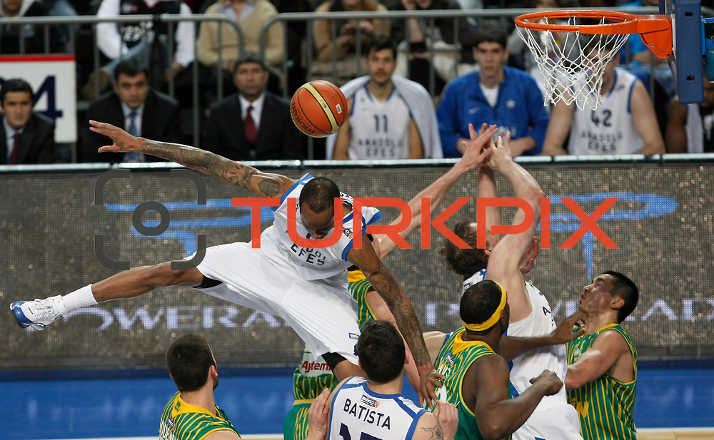 Anadolu Efes's Terence Kinsey (C) during their Turkish Basketball League match Anadolu Efes between Olin Edirne at Arena in Istanbul, Turkey, Saturday, February 11, 2012. Photo by TURKPIX