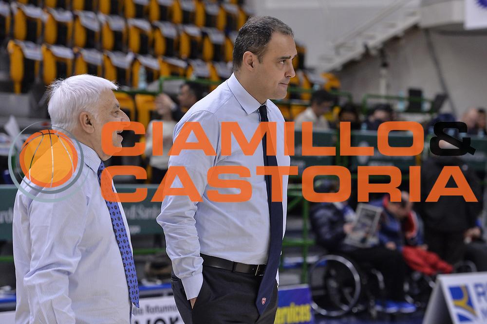 DESCRIZIONE : Beko Legabasket Serie A 2015- 2016 Dinamo Banco di Sardegna Sassari - Openjobmetis Varese<br /> GIOCATORE : Paolo Moretti<br /> CATEGORIA : Allenatore Coach Before Pregame<br /> SQUADRA : Openjobmetis Varese<br /> EVENTO : Beko Legabasket Serie A 2015-2016<br /> GARA : Dinamo Banco di Sardegna Sassari - Openjobmetis Varese<br /> DATA : 07/02/2016<br /> SPORT : Pallacanestro <br /> AUTORE : Agenzia Ciamillo-Castoria/L.Canu