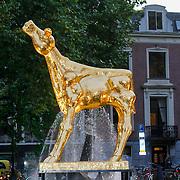 NLD/Utrecht/20130104 - NFF 2013 - Inloop Gouden Kalveren 2013, gouden Kalf beeld