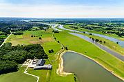 Nederland, Overijssel, Gemeente Deventer, 17-07-2017; In het kader van het Programma Ruimte voor de Rivier is er in de Keizers- en Stobbenwaarden een hoogwatergeul aangelegd. Natuurderij (boerderij) en landgoed Keizersrande, biologisch dynamisch rundveebedrijf.<br /> View on the west bank of river IJssel (north of Deventer. The floodplains with the new flood channel.<br /> luchtfoto (toeslag op standard tarieven);<br /> aerial photo (additional fee required);<br /> copyright foto/photo Siebe Swart