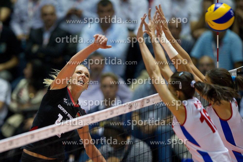 02.10.2011, Hala Pionir, Belgrad, SRB, Europameisterschaft Volleyball Frauen, Finale, Deutschland (GER) vs. Serbien (SRB), im Bild Margareta Kozuch (#14 GER / Sopot POL) - Milena Rasic (#16 SRB), Jovana Brakocevic (#2 SRB) // during the 2011 CEV European Championship, Final at Hala Pionir, Belgrade, SRB, Germany vs Serbia, 2011-10-02. EXPA Pictures © 2011, PhotoCredit: EXPA/ nph/  Kurth       ****** out of GER / CRO  / BEL ******