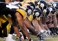 PITTSBURGH - JANUARY 11: A general view of the line of scrimmage in a game beteen the Pittsburgh Steelers and the San Diego Chargers in the AFC Divisional Playoff Game on January 11, 2009 at Heinz Field in Pittsburgh, Pennsylvania. The Steelers defeated the Chargers 35 to 24. (Photo by Rob Tringali//) *** Local Caption ***